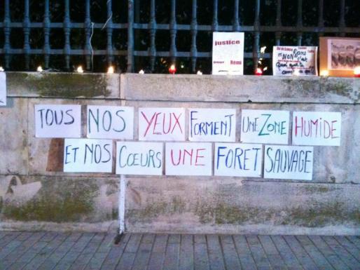 Après la mort de Rémi Fraisse, les hommages se multiplient. Ici, à Nîmes.