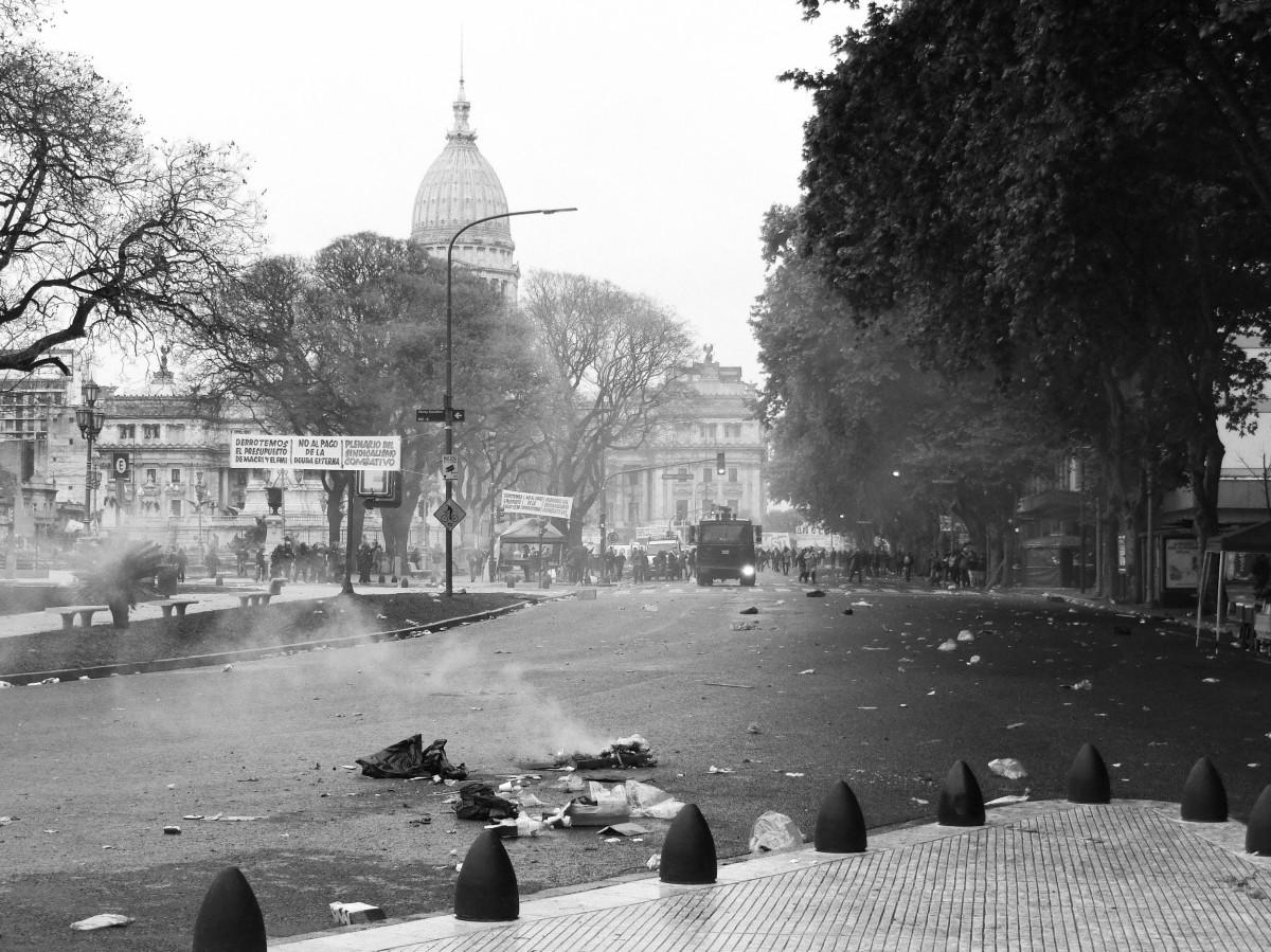 Budget 2019: l'Argentine s'enflamme, le gouvernement part à la chasse